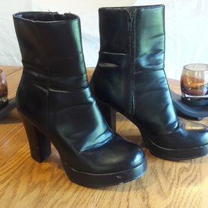 Bongo Ankle Boots